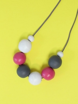Kit and Kaboodal Danna Necklace Pink