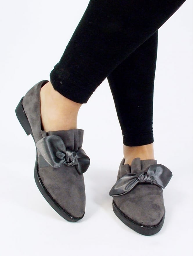 Kit and Kaboodal Lyra Bow Front Flat Shoe